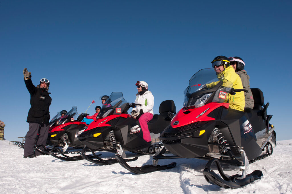 snowmobile salen, snowmoble safaris, snowmobile tours, ice sculpting, tourist information, salenaktiviteter, Sälen, snow mobile